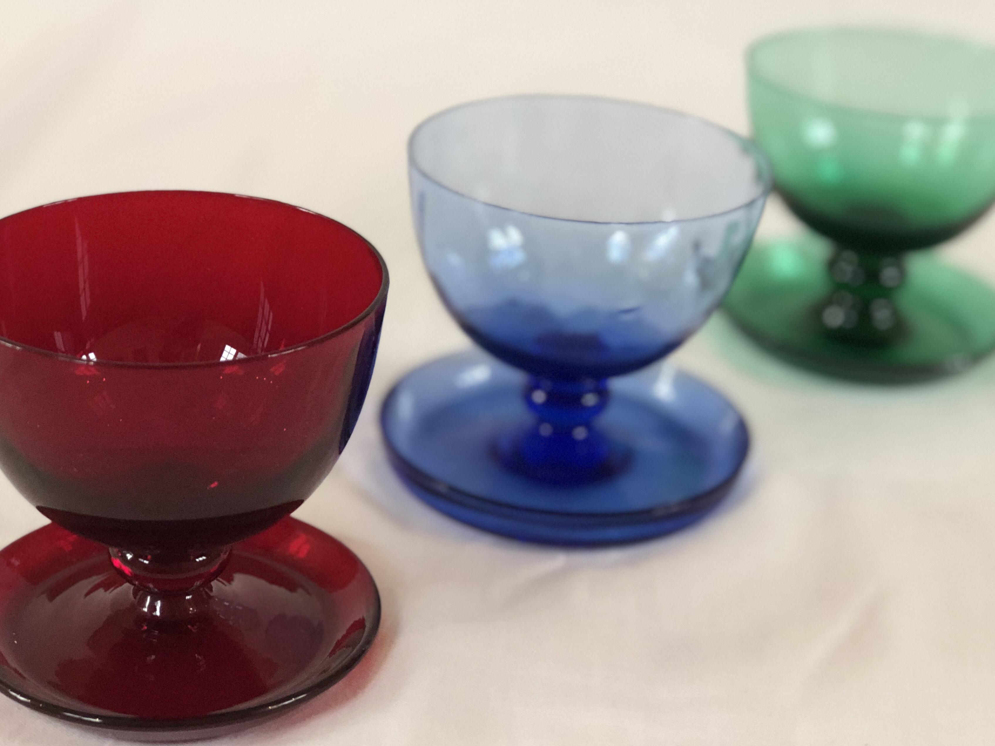 Puck Reijmyre coupe dessert skål glas röd blå grön