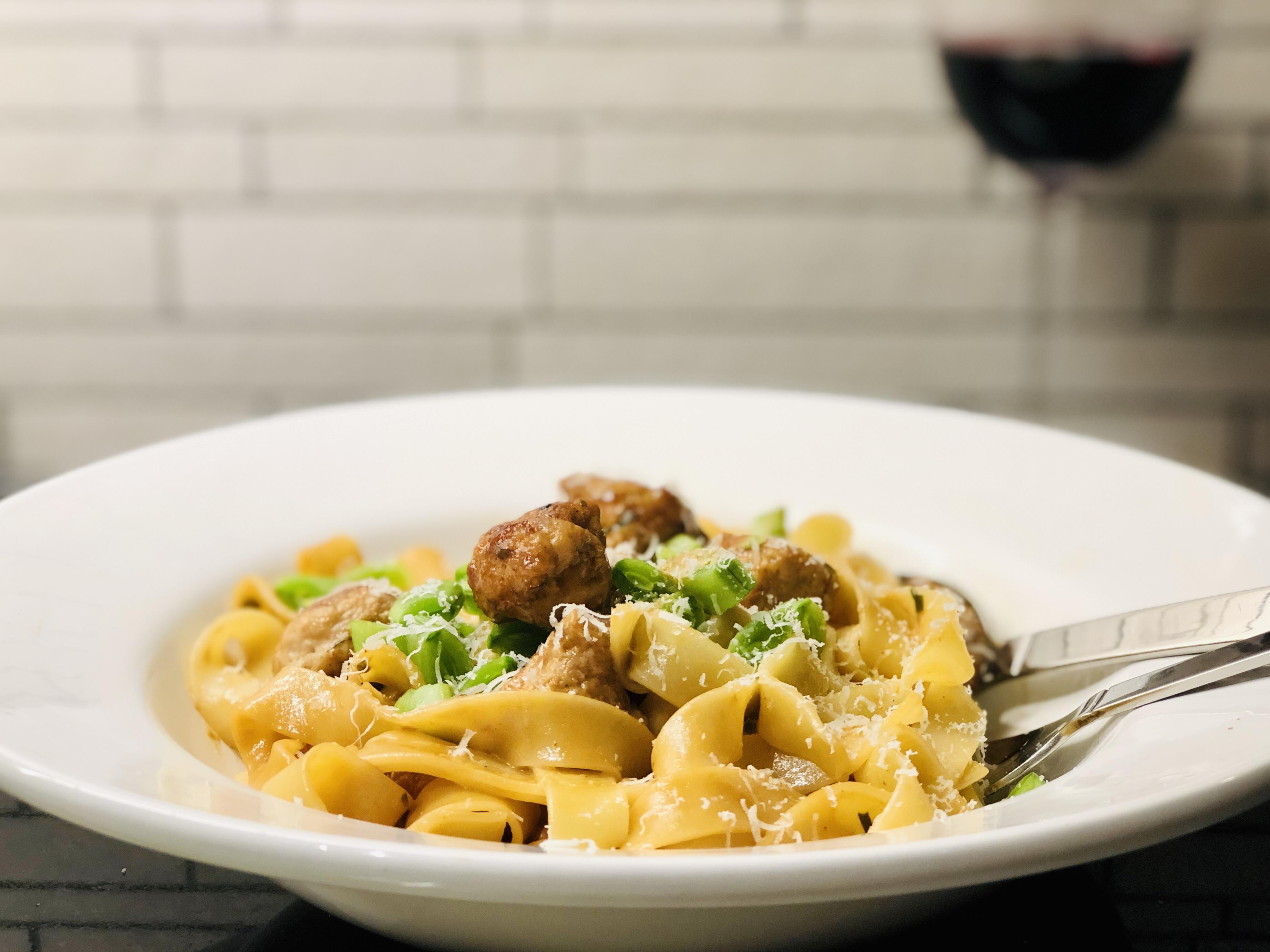 Kyckling köttbullar recept krämig pasta dragon dijon senap parmesan