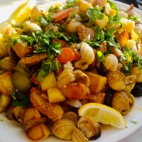Carne de porco à alentejana - fläskkött med musslor på portugisiskt vis