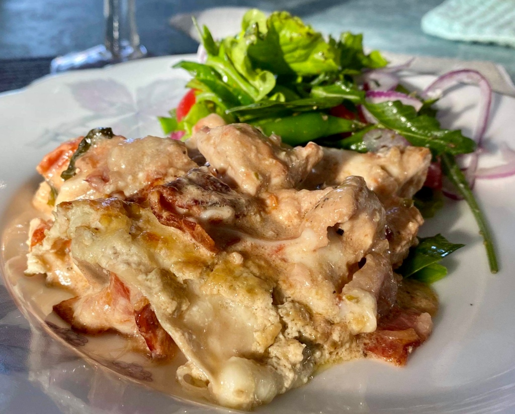 Kycklinglasagne recept bacon tomater pesto