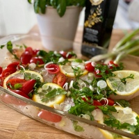 Fisk med basilika, tomat och citron